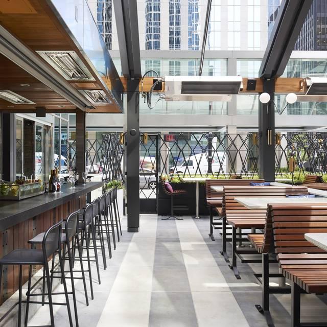 Earls Kitchen Bar King Street Toronto Restaurant Info