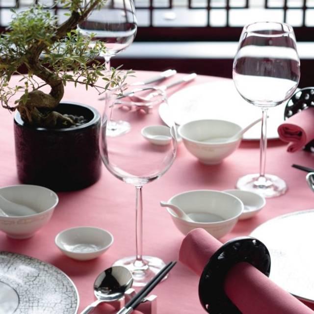 Hong-kong-restaurant-man-wah-detail - Man Wah - Mandarin Oriental Hong Kong, Hong Kong, Hong Kong