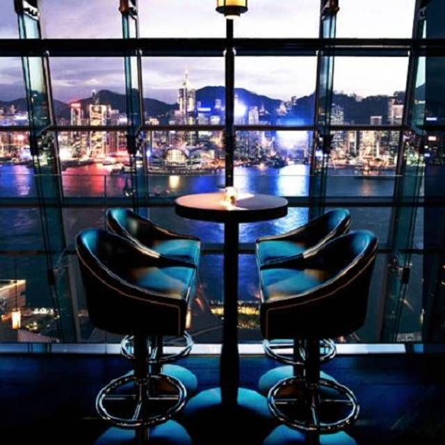 The glamorous penthouse bar - aqua spirit - Aqua, Kowloon, Hong Kong