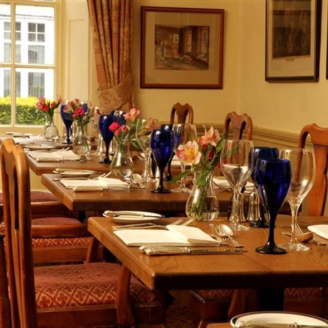 The spread eagle hotel spa the restaurant midhurst for Adagio salon eagle co
