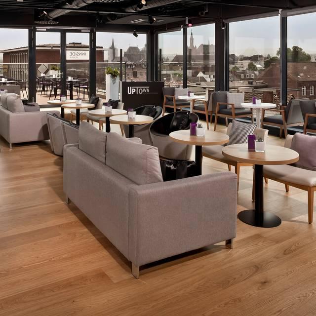 uptown sky lounge restaurant im innside aachen. Black Bedroom Furniture Sets. Home Design Ideas