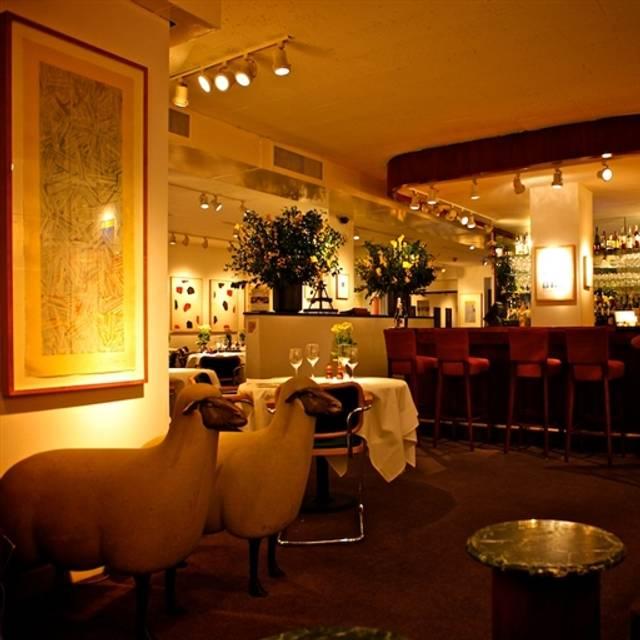 Michael's, New York, NY