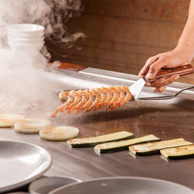 Chef Cooking - Benihana - Westgate Las Vegas Resort & Casino, Las Vegas, NV