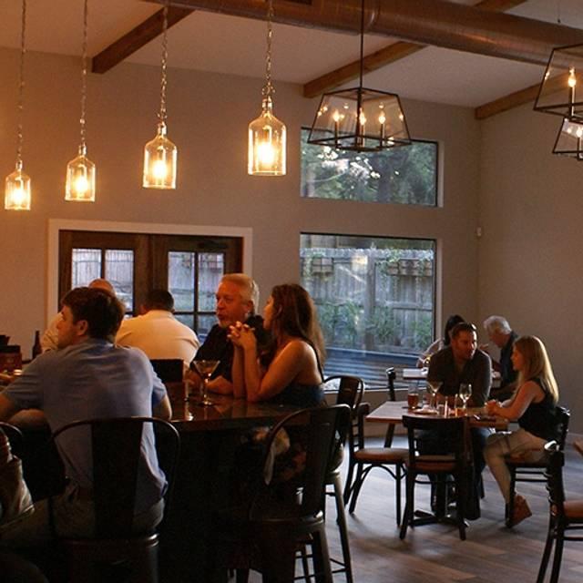 827Ray's Kitchen + Cellar, Austin, TX