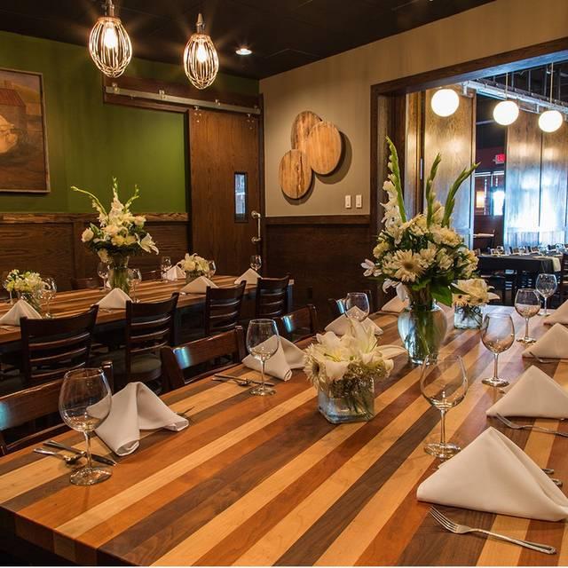 Barley's Kitchen+Tap - Overland Park, Overland Park, KS