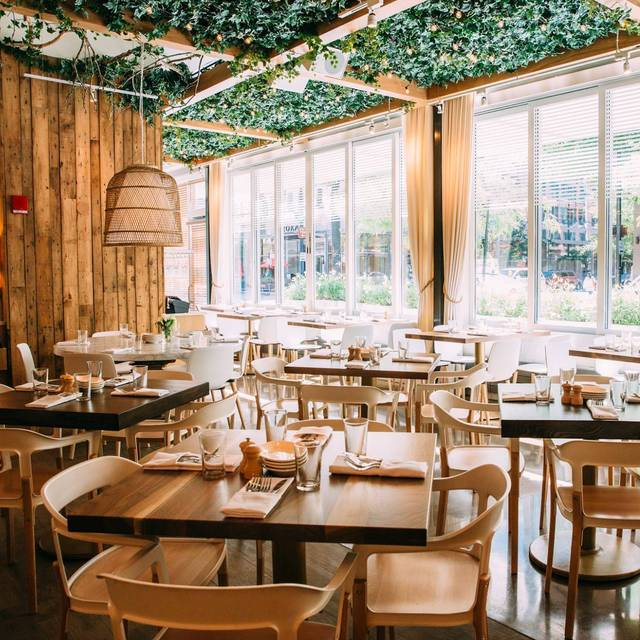 Ema restaurant chicago il opentable for 0pen table chicago