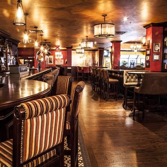 Doc Magilligan's Restaurant & Irish Pub, Niagara Falls, ON