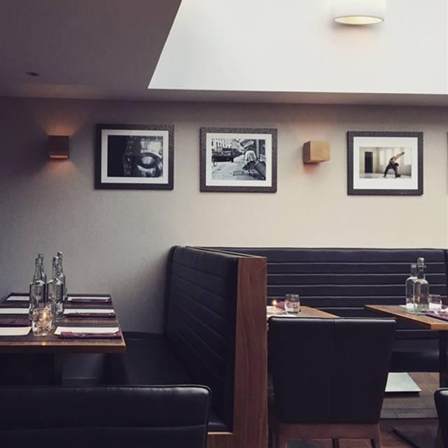 Charlotte's Bistro, London