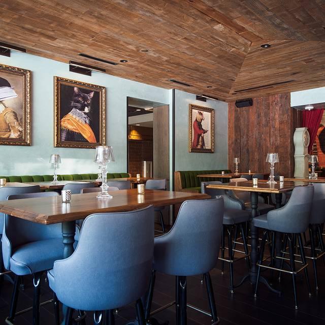 The Tuck Room Tavern The Den Room   The Tuck Room Tavern U2013 Los Angeles,