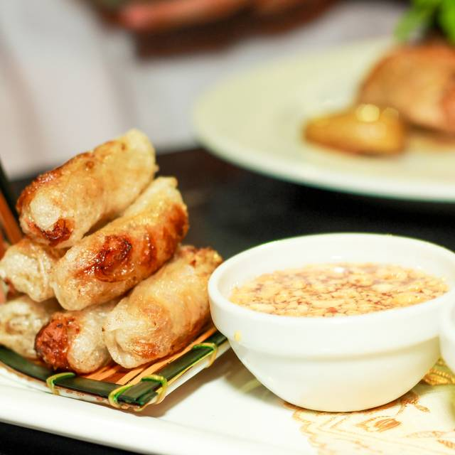Rollito Nems - Tony's Asian Bistro, Acapulco, GRO