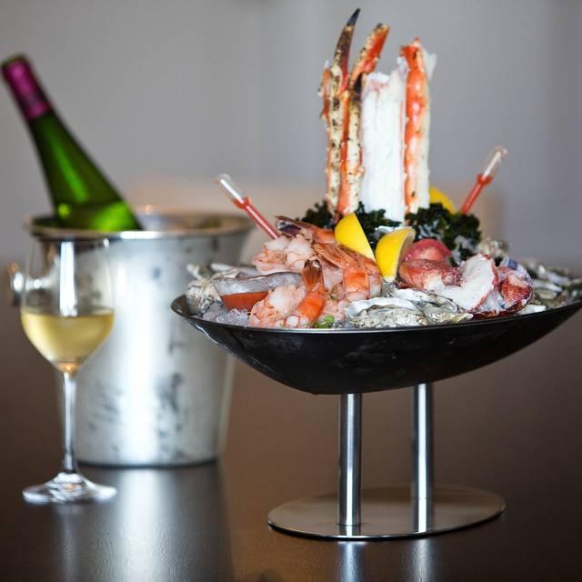 Aveonorth - AVEO Table + Bar at the Monarch Beach Resort, Dana Point, CA