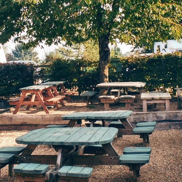 Patio - The Green Man, Eversholt, Bedfordshire