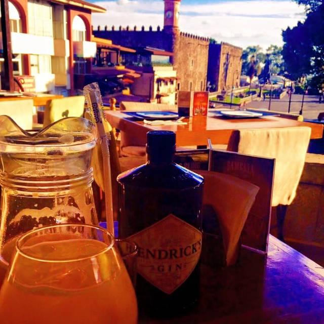 Camelia terraza mexicana restaurante cuernavaca mor for Terrazas mexicanas