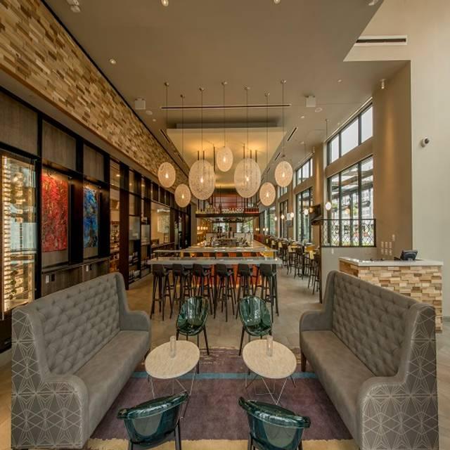 Chroma Bar And Lounge - Chroma Modern Bar + Kitchen, Orlando, FL