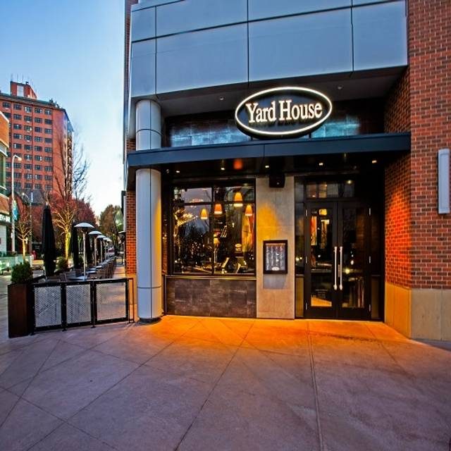 Range Lincoln Park Chicago ~ Yard house newcity at lincoln park restaurant chicago