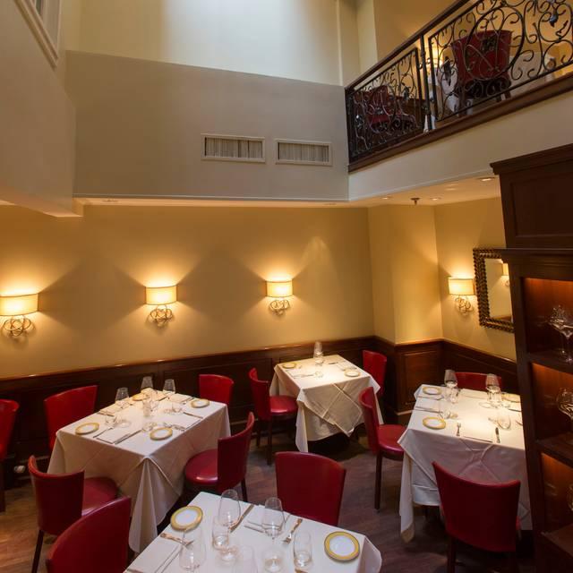 Main Dining Room And Skylight - Felidia, New York, NY
