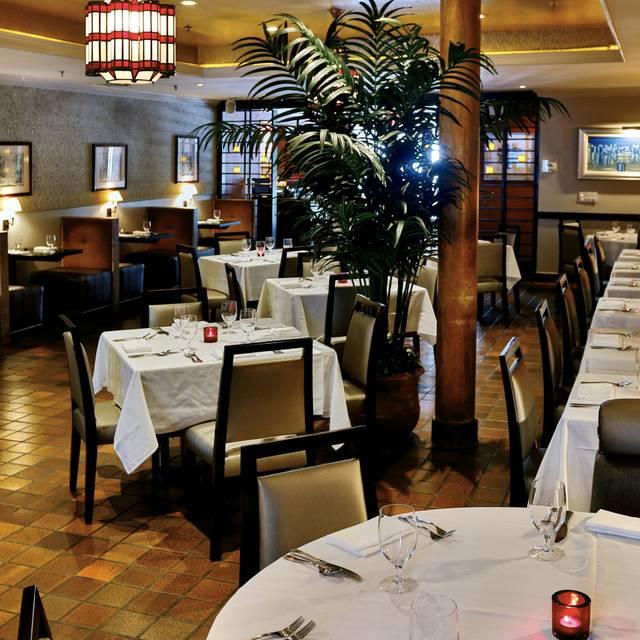 Dining Room - Victor's Café, New York, NY