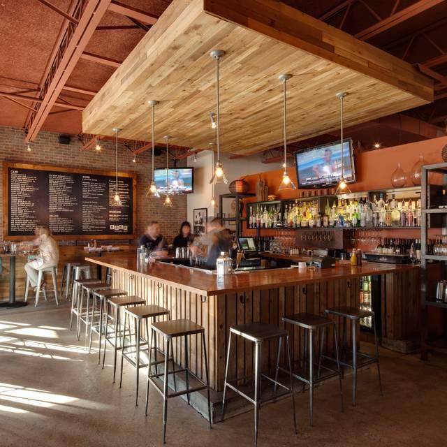 Brgr Prairievillage Interior - BRGR Kitchen + Bar - Prairie Village, Prairie Village, KS