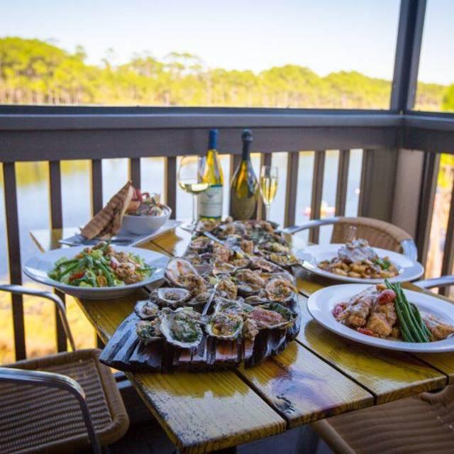 Stinky 39 s fish camp restaurant santa rosa beach fl for Stinkys fish camp menu