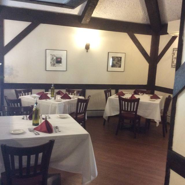 The LVI Bistro Restaurant - Locust Valley, NY