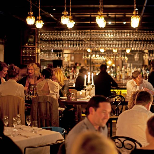 Rm+interior+w+bar - RM Champagne Salon, Chicago, IL