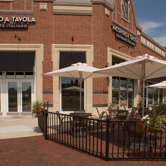 Front-entrance-patio - Incontro A Tavola, South Barrington, IL