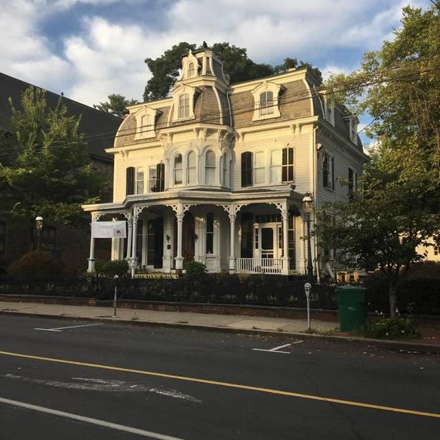Royal T's at The Mansion, New Hope, PA