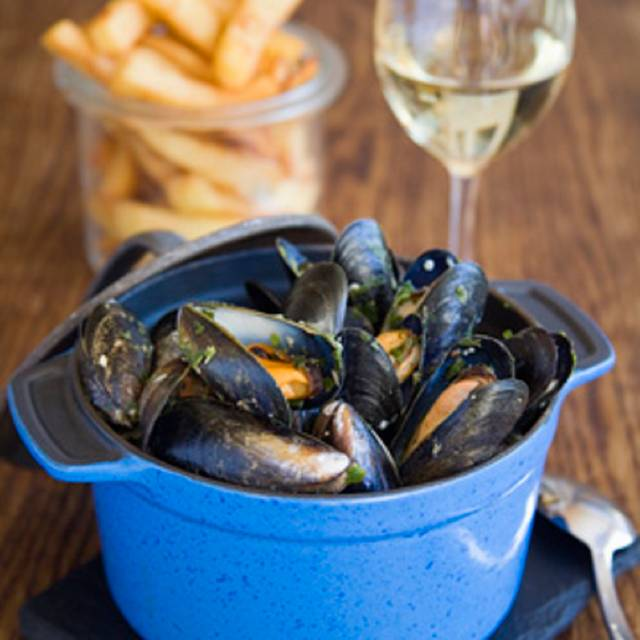 Moules - Gazette Putney, London
