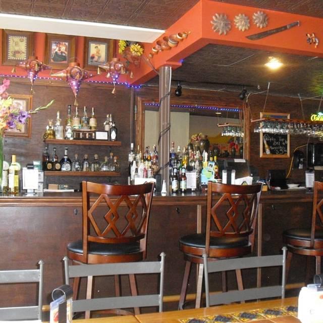 El Burrito Mercando Restaurant Cafe Y Bar - El Burrito Mercado Restaurant Cafe y Bar, Saint Paul, MN