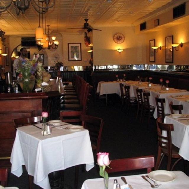 Bistro Les Amis Restaurant New York