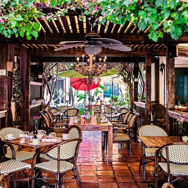 French Restaurant Palm Springs Cafe