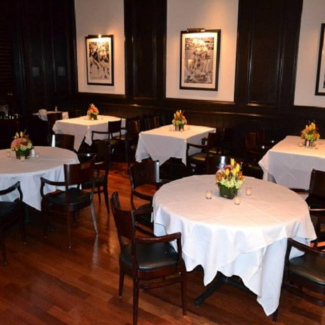 Dining Room - Shula's Steak House - Birmingham, Birmingham, AL