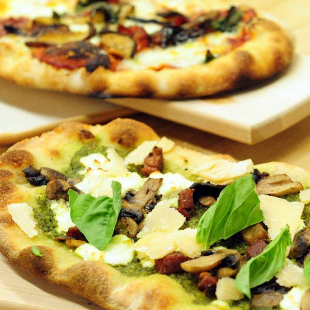 Artisan Pizza Kitchen: ENO Artisan Pizzeria & Wine Bar - Coronado, CA