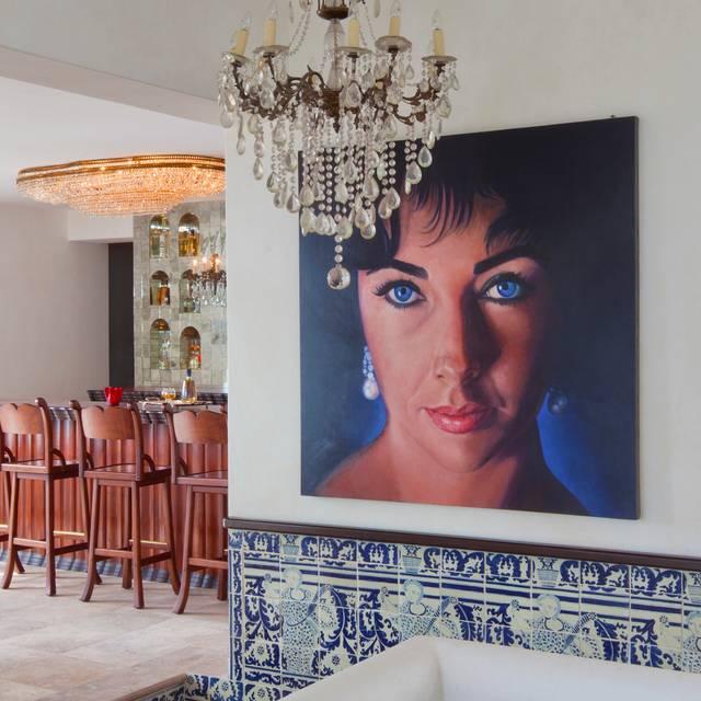 Elizabeth Taylor - The Iguana Restaurant & Tequila Bar, Puerto Vallarta, JAL