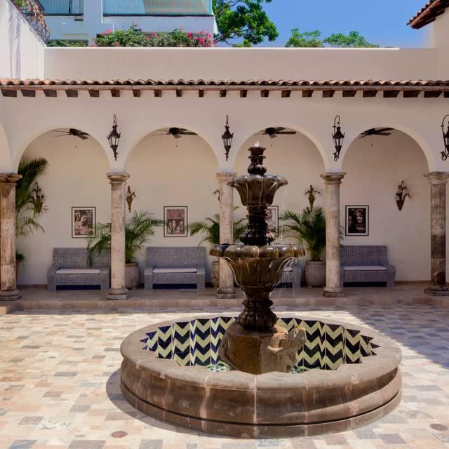V- Casa Kimberly - The Iguana Restaurant & Tequila Bar, Puerto Vallarta, JAL