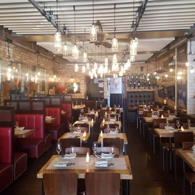 George Martin Tavern, Rockville Centre, NY