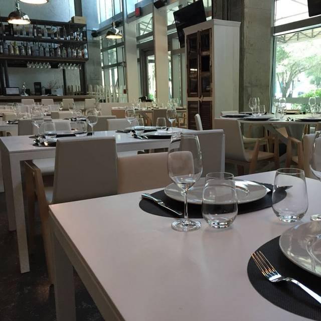 Valentia Dining Room Mediterranean Cuisine Miami Fl