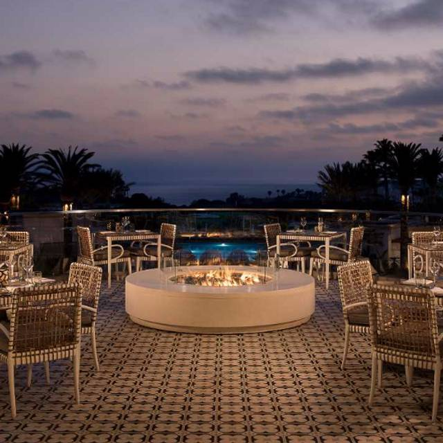 Aveo - AVEO Table + Bar at the Monarch Beach Resort, Dana Point, CA
