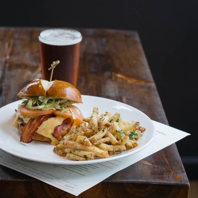 Blue Hound Kitchen & Cocktails, Phoenix, AZ