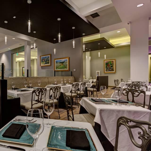 Ravello Bar & Grill, Whittier, CA