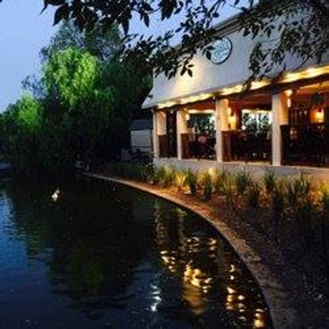 Lakeside Restaurant & Lounge, Encino, CA