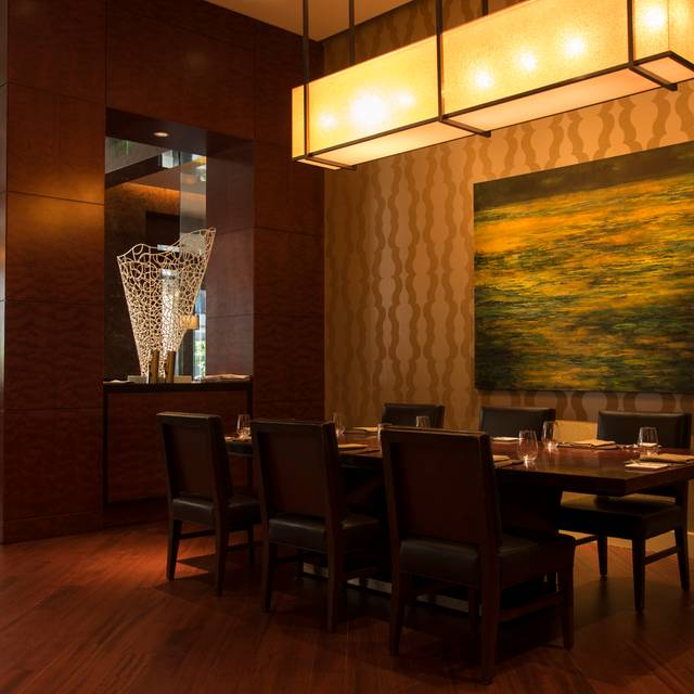 Dining Room - EDGE Restaurant & Bar, Denver, CO