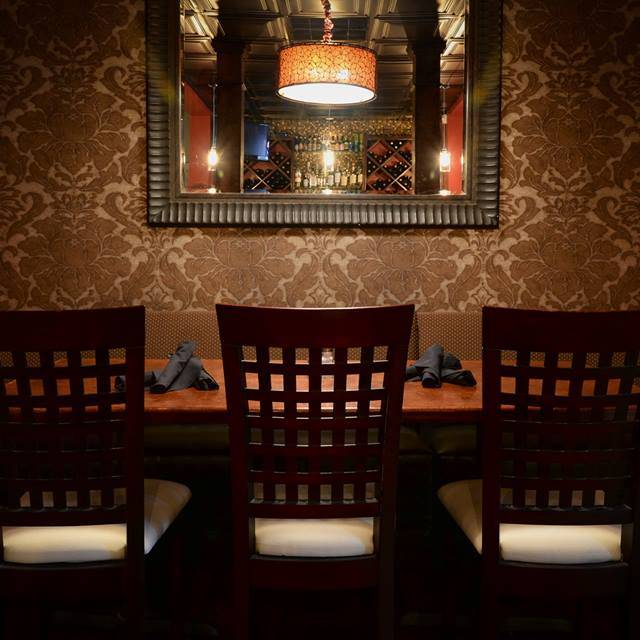 Tombo Grille Interior Columbia Sc