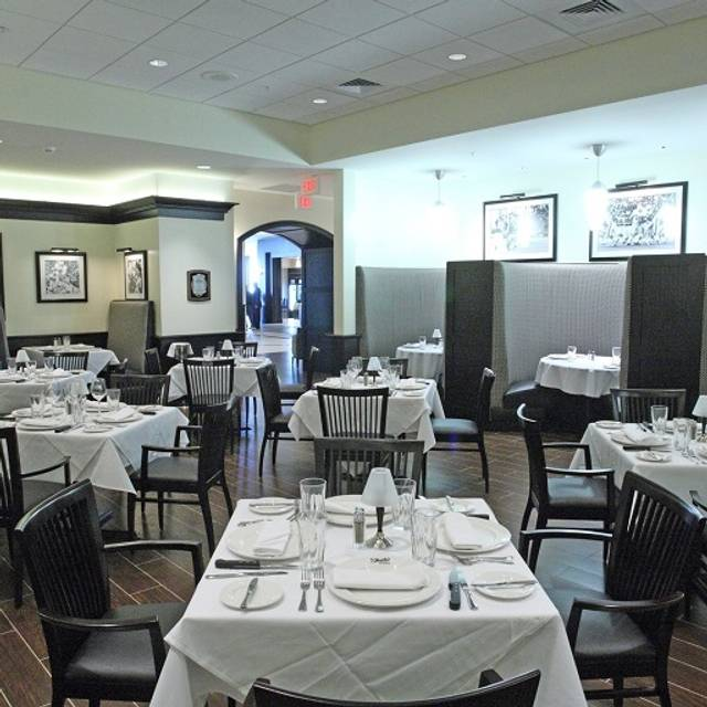 Dining Room - Shula's Steak House - Hilton Richmond Hotel & Spa, Richmond, VA