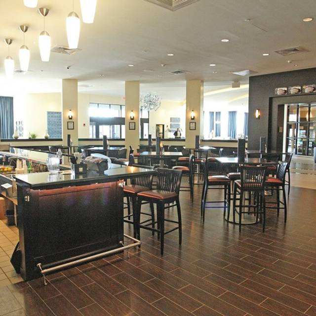 Bar & Dining Area - Shula's Steak House - Hilton Richmond Hotel & Spa, Richmond, VA