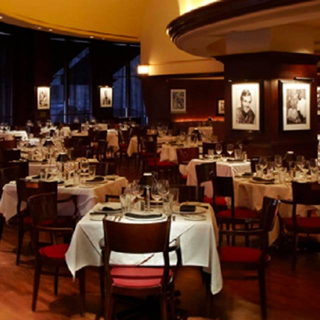 Main Dining Area Shula S Steak House Chicago Il