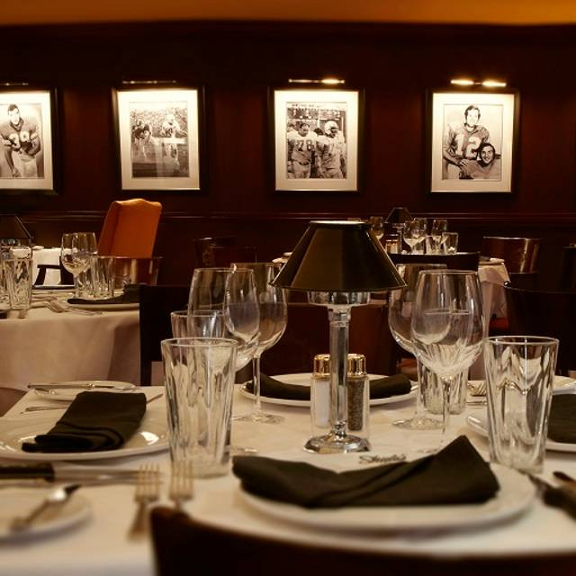 Shula's Dining Table - Shula's Steak House - Chicago, Chicago, IL