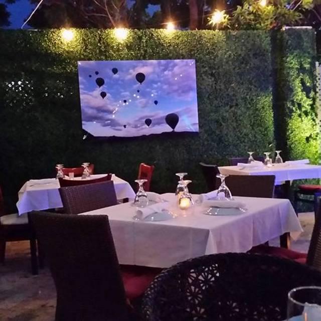 Garden - Babylon Mediterranean Kitchen & Bar, Miami Beach, FL