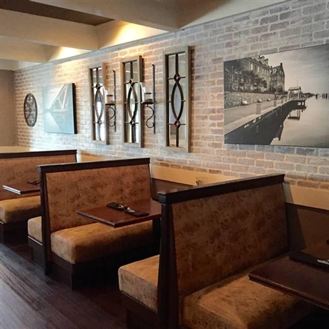 Ramparts Tavern, Alexandria, VA