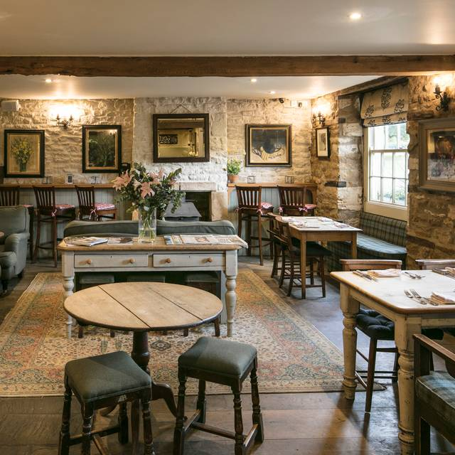 Pub Dining - The Kingham Plough, Chipping Norton, Oxfordshire